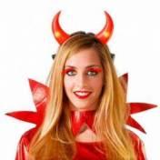 Serre-tête avec cornes rouges lumineuses en plastique